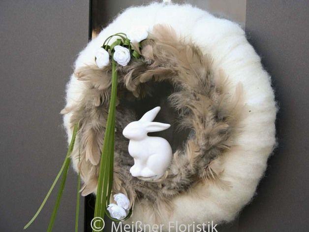 moderner Oster - Türkranz mit Hase und Filz creme
