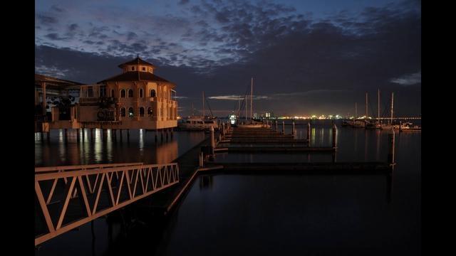 Penang-The pearl of The Orient by Jordan Lye.   http://www.zuidoostaziemagazine.com/de-4-mooiste-time-lapse-videos-over-penang/#