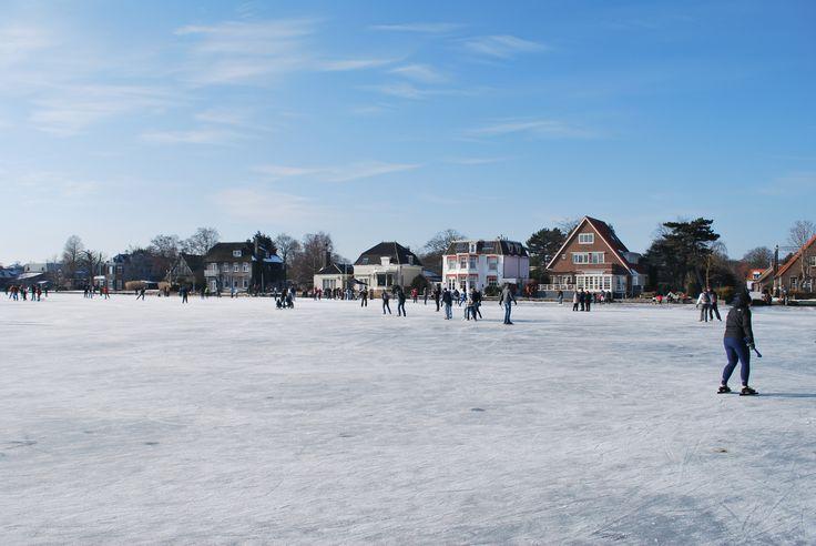 Iceskating near Warmond.