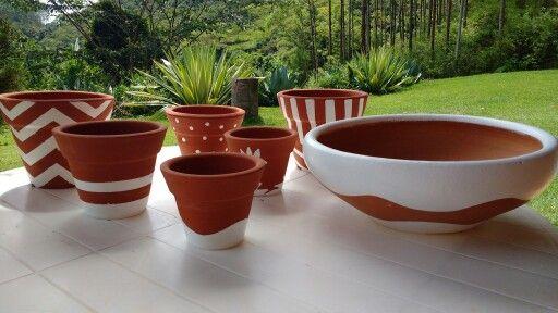 Pintura em vasos de barro