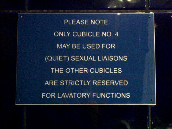 Public Service Announcement???: Wonder Scottish, Funny Signs, Scottish Pub, Funny Random, Fun Stuff, Funny Stuff, Bathroom Signs, Funny Comment, Scottish Things