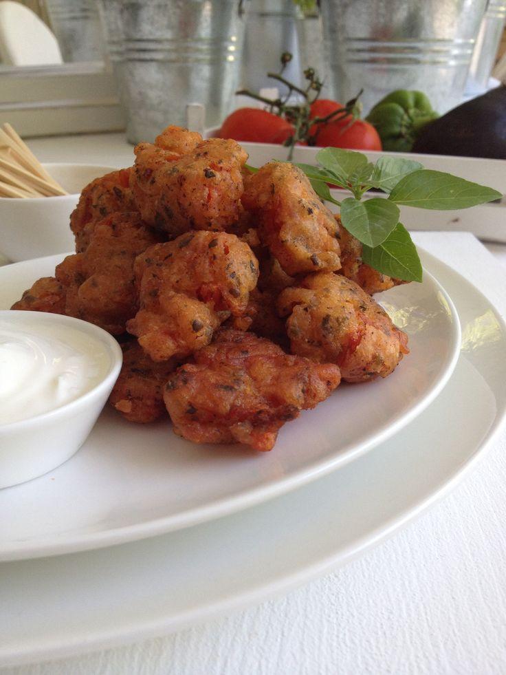 Tomato fried balls otherwise tomatokeftedes http://www.instyle.gr/recipe/ntomatokeftedes-2/
