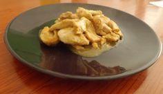 Ingredienti: 600 gr di petto di pollo Farina q.b. Olio Soia (una tazzina) Porro Zenzero Difficoltà:bassa Dosi:4 persone Preparazione:30 min Una ricetta per un secondo moooolto semplice e moooolt...