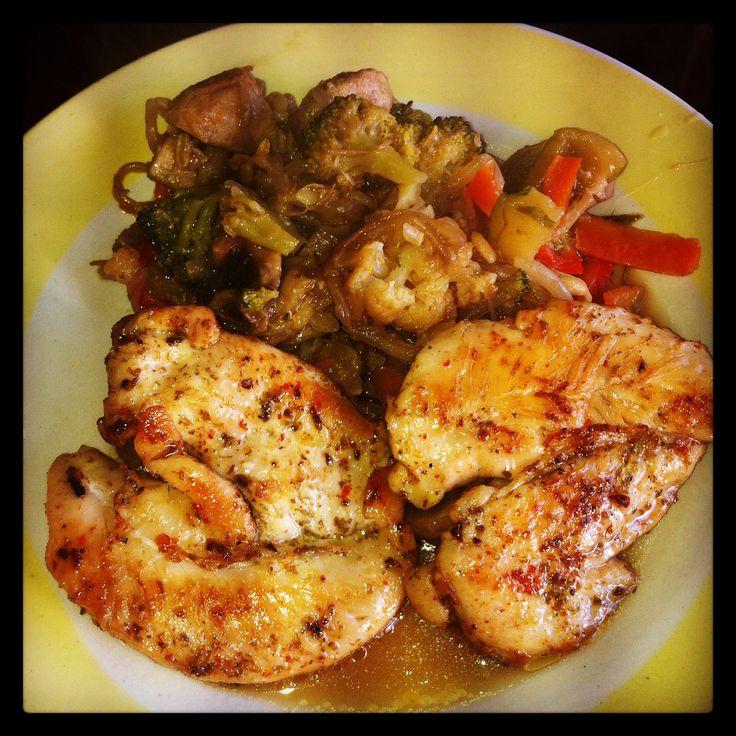 Pollo a la plancha con Chapsui de Verduras