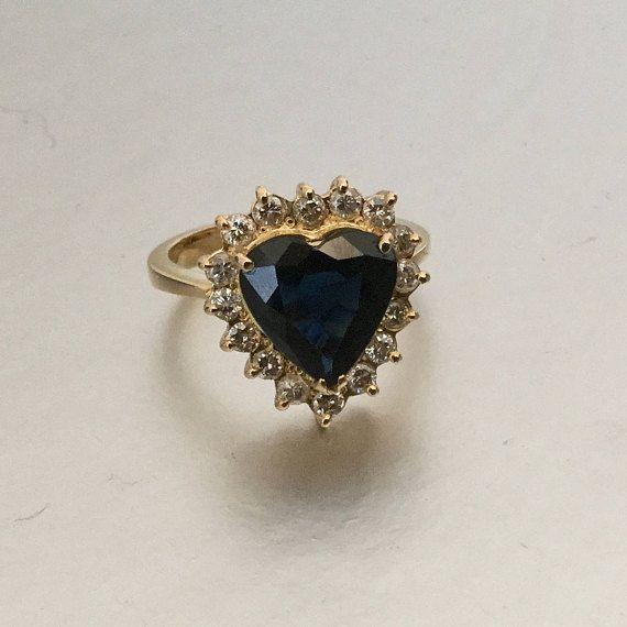 18K en forme de coeur or 3 Carat bague de fiançailles diamant saphir naturel. Taille 5.5.  Anniversaire de saphir bleu foncé renouvellement Love Token Ring