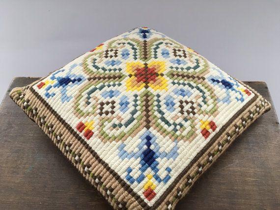 Vintage Zweeds geborduurd kussen bruin blauw geel wit patroon kussen Embroidered gooien kussen decoratieve kussen
