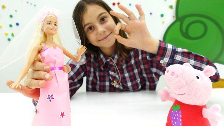 Игры с Барби. Подружка Вика делает платье для куклы БАРБИ вместе со свин...