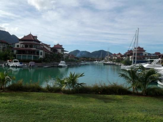 Eden Island Holiday Rentals