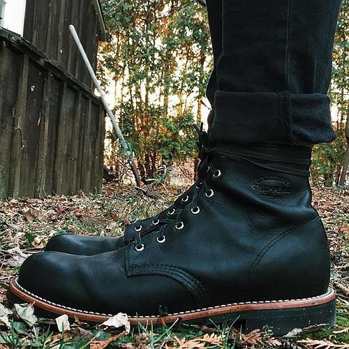 Early Chanukah gift to myself. #chippewaboots #chippewa #leather #boots #blackodessa #service #bootgame #blackonblack #fashion #monthsrent #timer #selfie #home #backyard #nature #boy #autumn #fall #barn #life #vsco #vscocam | Content shared from ChippewaBoots.com