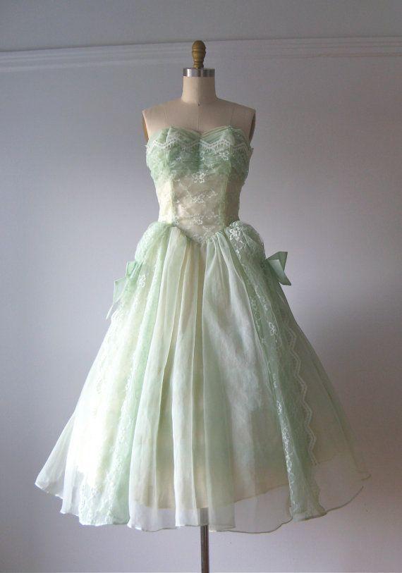 vintage 1950s dress / 50s prom dress / Mint Fields