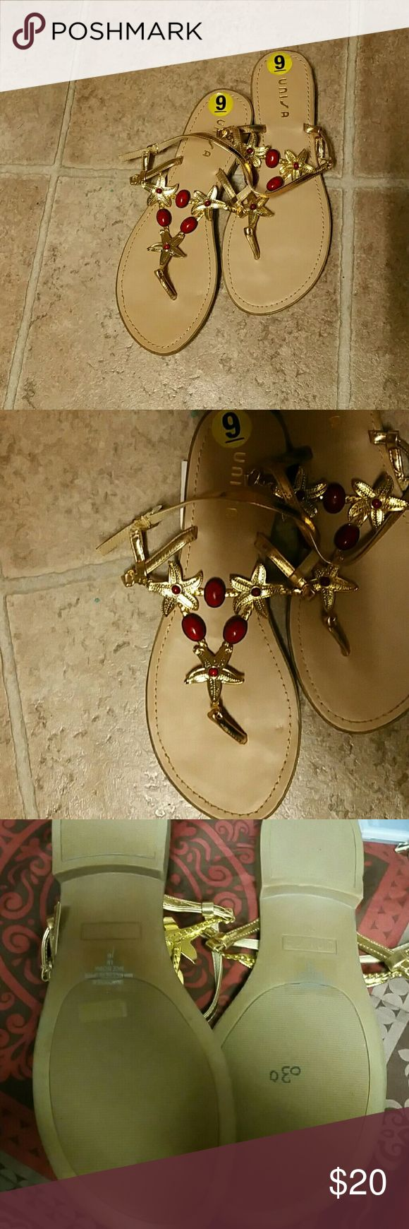 UNISA Gold Starfish Sandals NWOB  UNISA Gold  Starfish Sandals - 6.5M Unisa Shoes Sandals