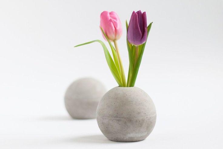 Vasen - Kugel-Vase aus Beton S - ein Designerstück von motoroto bei DaWanda