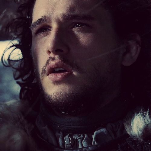 Jon Snow....Can't take your eyes off those lips