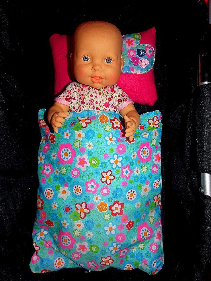 Na potrzeby starszej córci- pościel dla lalki :)