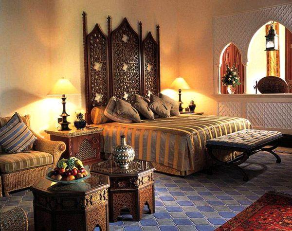 Традиционный интерьер спальни в Марокко