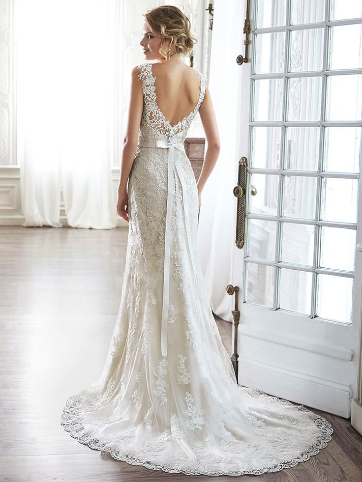 16 Best Wedding Gowns Of 2016