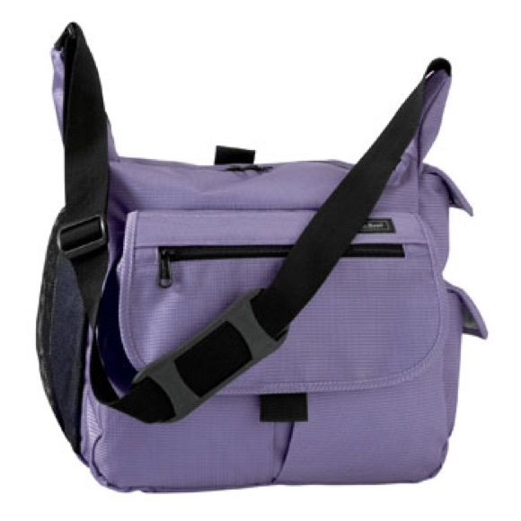 ll bean lilac purple diaper shoulder bag roomy full of pockets great wipe clean material used. Black Bedroom Furniture Sets. Home Design Ideas