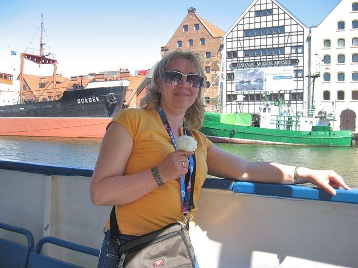 Małgorzata Andrzejewska-Bancewicz - oferuje miłą i profesjonalną obsługę grup wycieczkowych oraz gości indywidualnych w języku polskim i angielskim. Interesujące i nieszablonowe przedstawienie historii, kultury  i atrakcji Trójmiasta | #touristguide #gdansk #sightseeing
