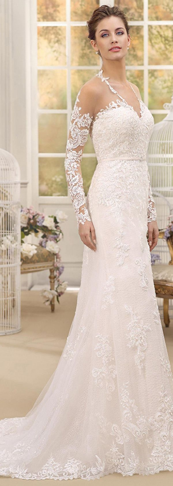 Charming Tulle & Satin V-Neck Sheath Wedding Dresses With Lace Appliques