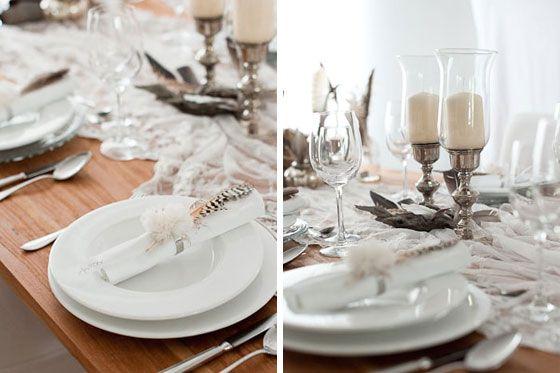 'Tischdeko made by Frl. K.' Nr. 1 - Edel mit Federn, Holz und Silber - Hochzeitsblog Fräulein K. Sagt Ja
