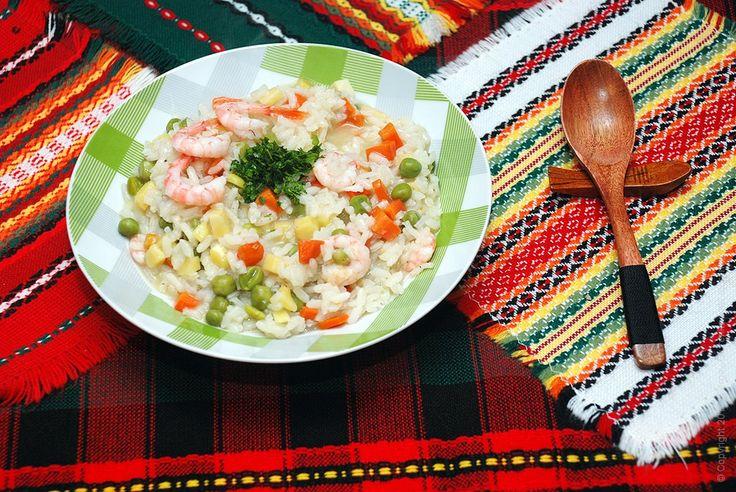 Ризотто с креветками и овощами для хорошего завтрака