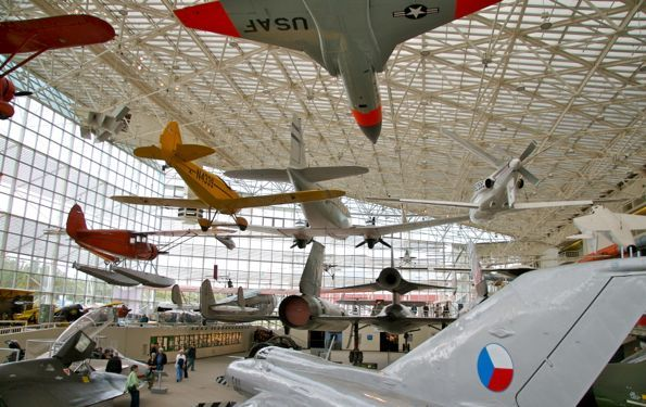 Things to do inSeattle with Kids | mylittlenomads.com[Seattle Museum of Flight pictured]