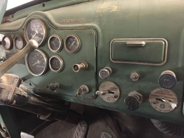 1960 B model Mack Diesel Truck Semi Tractor for sale: photos, technical specifications, description