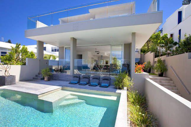 Sunshine Beach House - $480 - 5 bed - sleeps 6-7