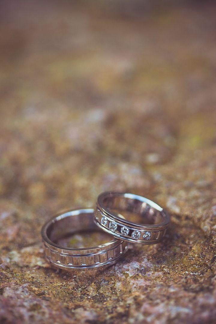Made by me / Gemaakt door mij: www.fotozee.nl Ik ben graag jullie trouwfotograaf! photography trouwfoto's trouwfotografie bruidsfotografie detailfoto wedding rings trouwringen wit zilver diamanten diamonds white silver big stone