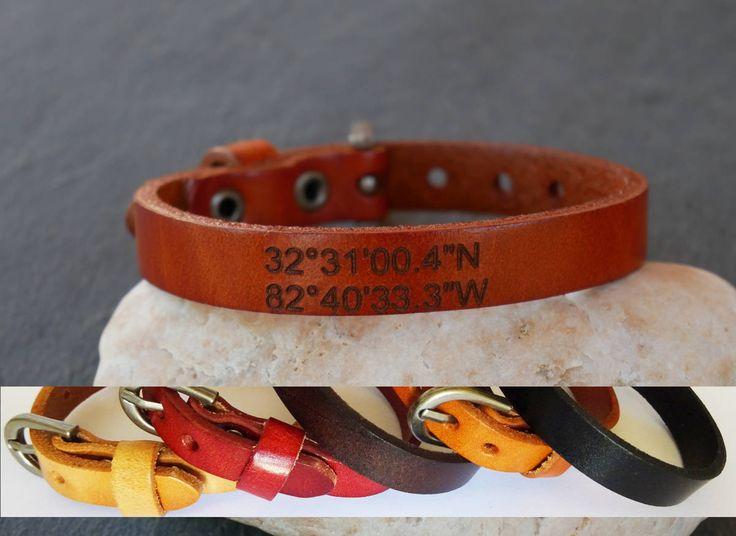 Bracelet cuir gravé Coordonnées GPS à personnaliser, bracelet homme ou unisexe par Cristalizade sur Etsy https://www.etsy.com/fr/listing/464772620/bracelet-cuir-grave-coordonnees-gps-a