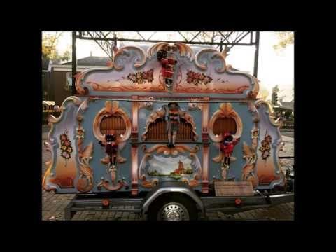 """De mooiste en gezelligste Sinterklaas liedjes gespeeld door draaiorgel """"..."""