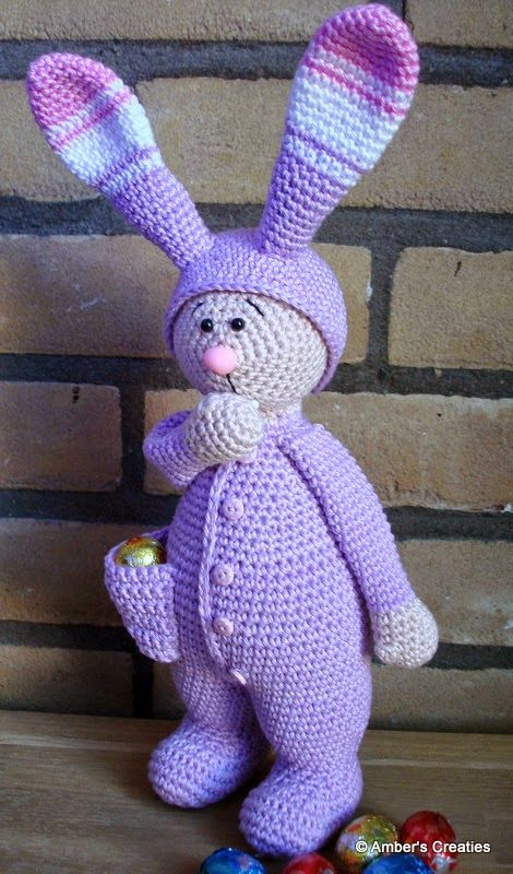 Bas, the easter bunny. Dutch pattern