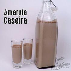 Amarula Caseira1 caixa de Creme de Leite sem o soroMeio copo de Leite1 copo e meio de Conhaque1 copo de Leite Condensado1 colher de sopa de Chocolate em Pó1 colher de chá de essência de BaunilhaBater