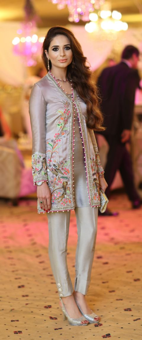 LOOK OF THE DAY: SAHAR MAHMUD. Pakistani outfit