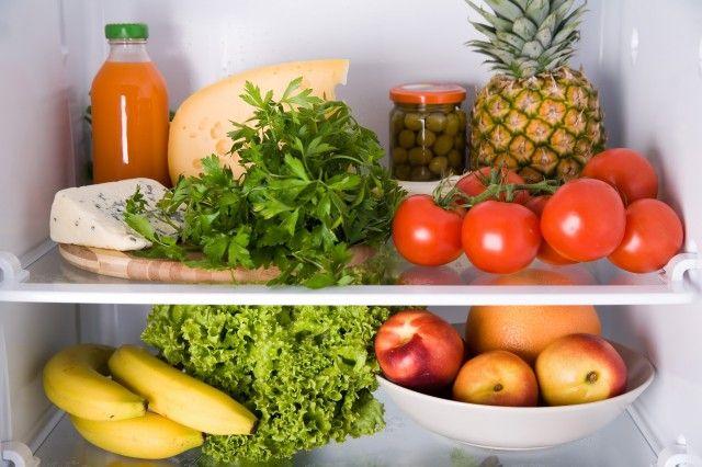 Come eliminare i cattivi odori dal frigorifero in maniera naturale e low cost