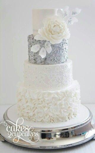 A gorgeous wedding cake