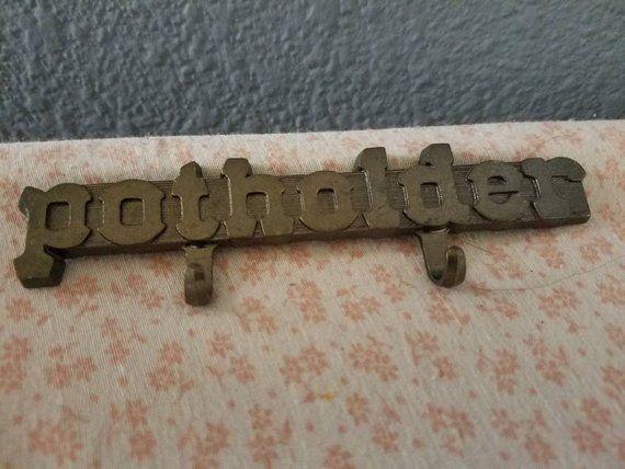 Potholder Hook - Pot Holder Magnet | Pot holders, Vintage ...