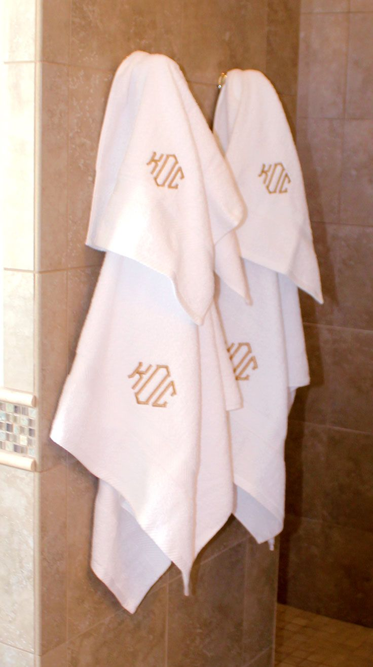 Looking for a wedding present? This Monogrammed Towel Set makes the perfect gift! Get a set personalized now at Marleylilly.com! #monogram #monograms #monogrammed #towel #gift #weddinggift #preppy #houseware #house