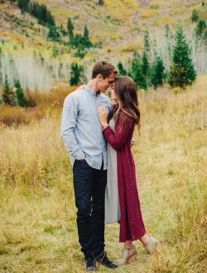 Engagement photo ideas, engagement photos, LDS engagements, Utah engagements, fall engagement outfits