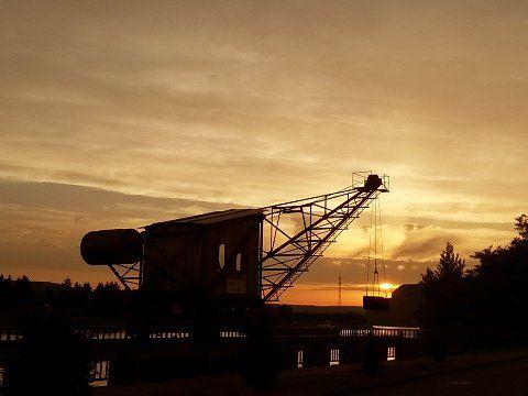 Industrie-Romantik - Kran am Rhein