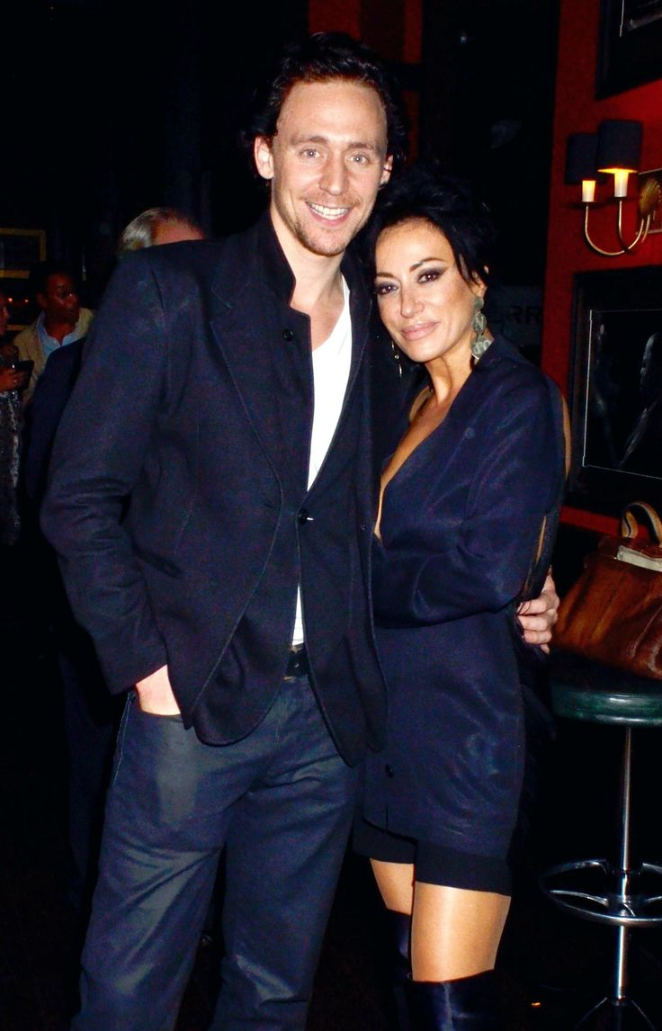 [HQ] Tom Hiddleston and Nancy Dell'Olio attend the 'First Night' Film Premiere - 04 Oct 2011
