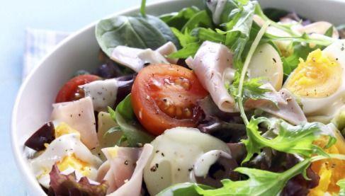 """750g vous propose la recette """"Salade méditérannéenne au Caprice des Dieux"""" notée 4.3/5 par 3 votants."""
