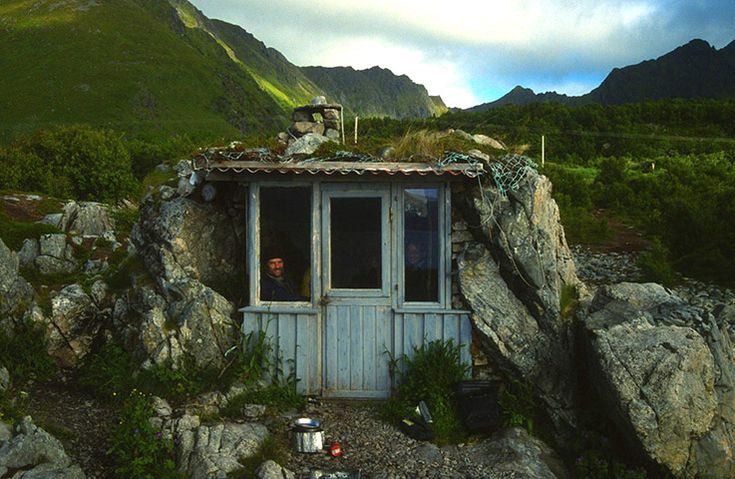 Tiny Homes: Tiny home in Nordland, Norway (#minimalism --less house, less stuff, less worries!)