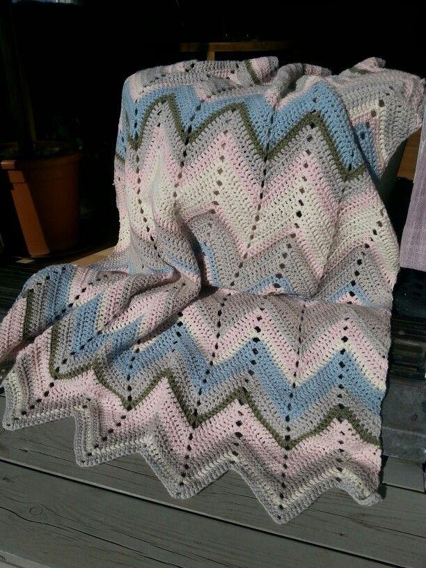 Easy spring chevron crochet blanket