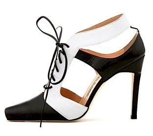 Graphic Gillie Shoes by Manolo Blahnik: White Shoes, Funky Shoes, Black And White, Gillies Shoes, Gorgeous Shoes, Manolo Blahnik, Amazing Shoes, Shoes Envy, Shoes Obsession