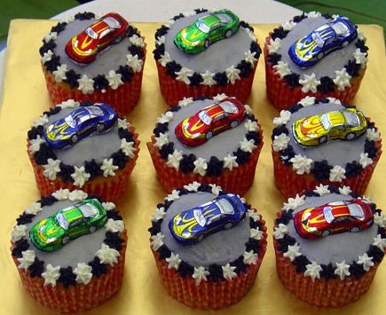 car cupcakes ideas for kids | These car cupcakes are perfect for the baker at any skill level, they ...