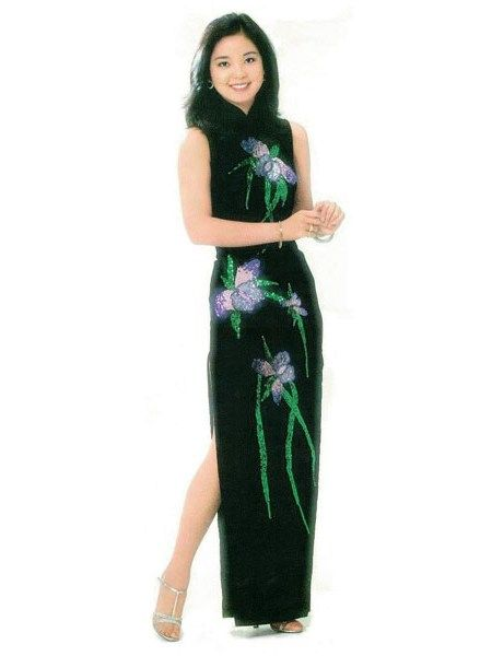 teresa teng in a Mandarin dress with embroidered orchid flowers