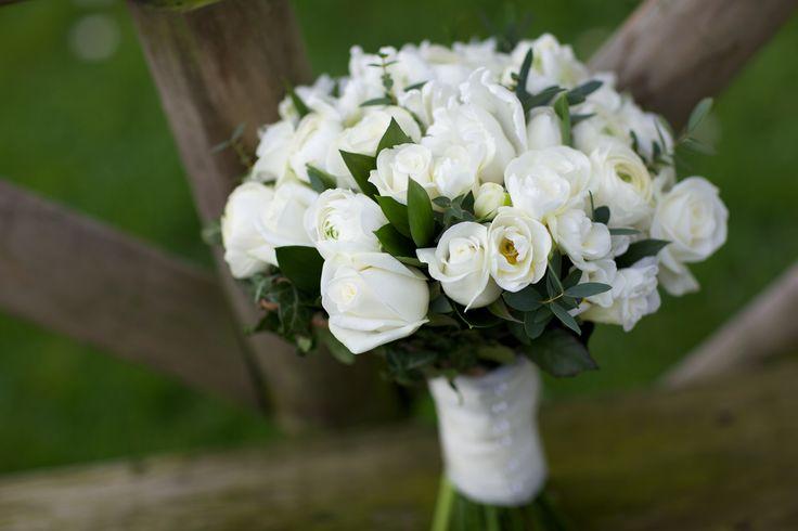 Wedding bouquet #flowers #wedding #bouquet #cream
