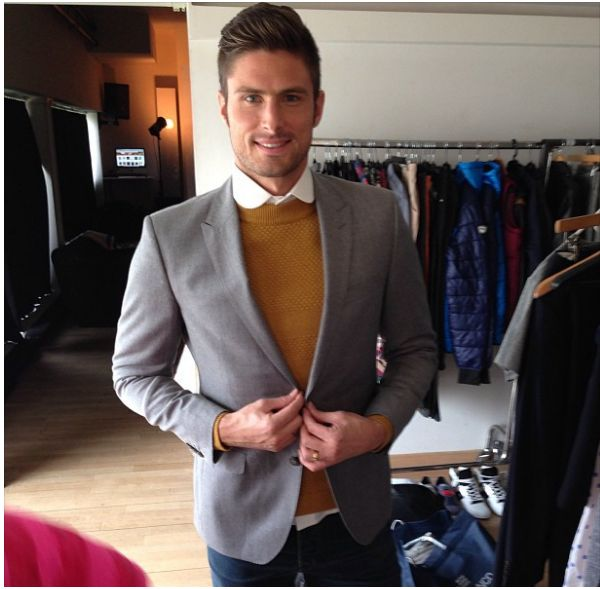 Olivier Giroud man of the match (again). Description from pinterest.com. I searched for this on bing.com/images