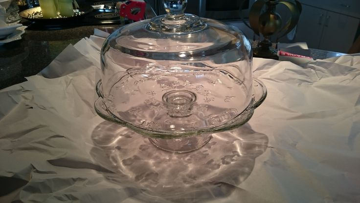 spinning cake stand with dome